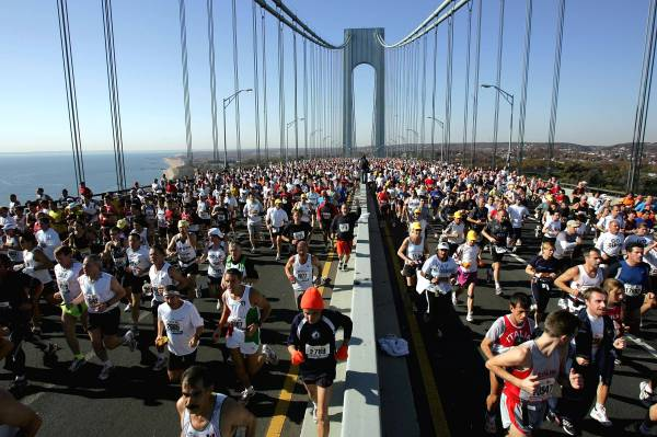 Thousands Run In New York Marathon